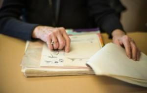Telling a story through art. Photo by Mark Berndt.