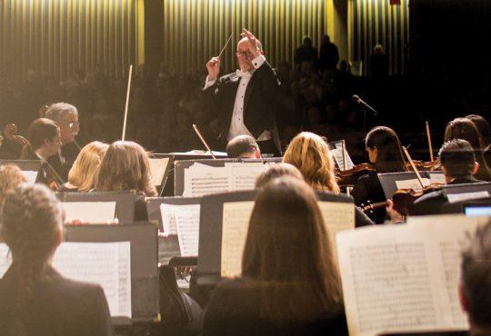 Russ Berlin conducting